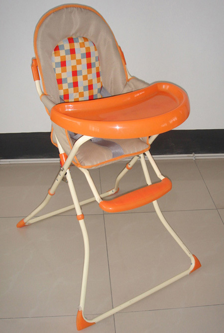baby eating chair