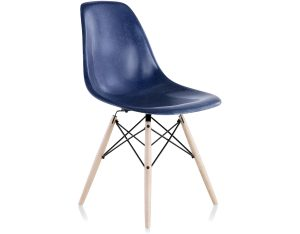 eames fiberglass chair eames molded fiberglass side chair dowel base herman miller
